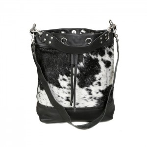 bags-leather-bucket-bags-cowhide-bags-black and white, leather bags, fashion accessories, artisanal product, ethical gifts, christmas gifts, social impact presents