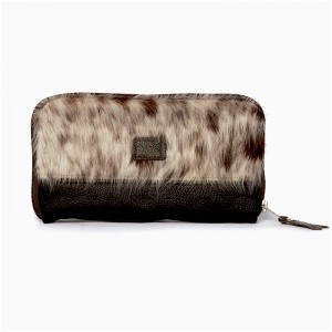 clutch, clutchbag, brown & white, travel wallet, cowhide accessories, evening bag, fashion accessories