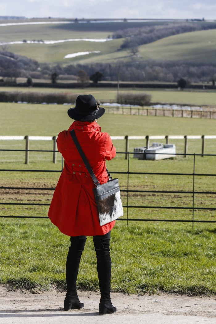 Cheltenham Festival 2018, Cheltenham Racecourse, Cheltenham Races, Horseracing, The Cotswolds, cowhide, cowhide bag, weekend bag, travel bag, day-at-the-races, country chic, country-style